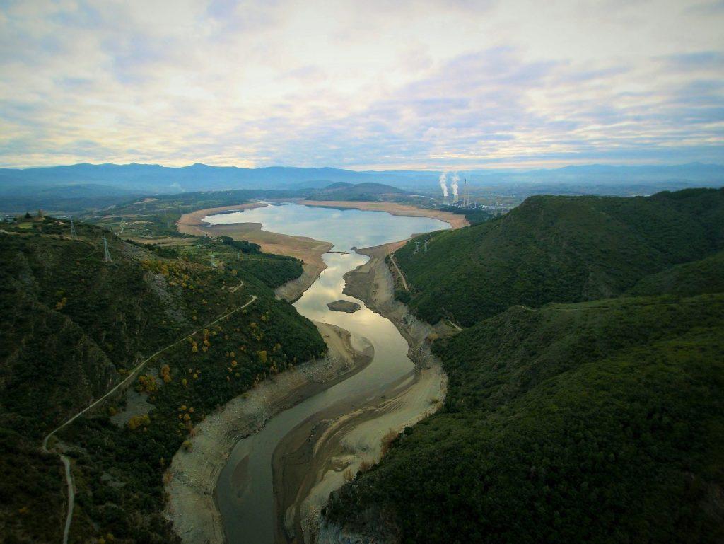 Embalse de Barcena a vista de dron